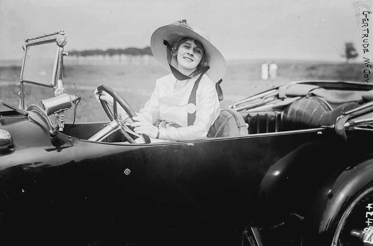 Mujeres en la historia del automovilismo