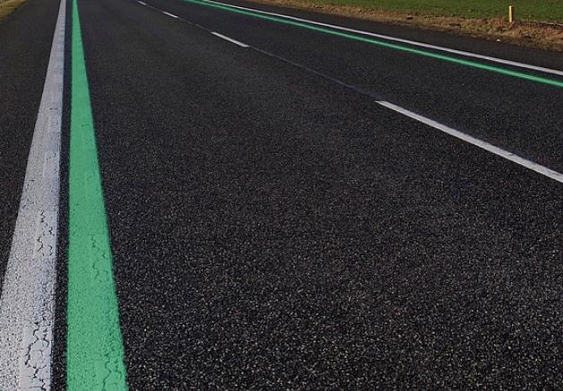 Líneas verdes: nuevo truco de la DGT para disminuir la velocidad